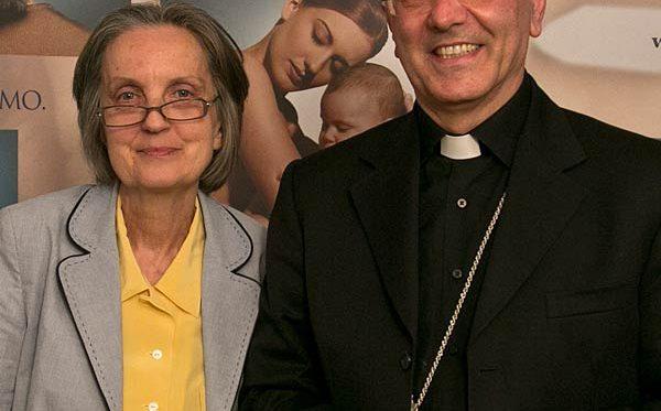 Mons. Galantino e Paola Ricci Sindoni