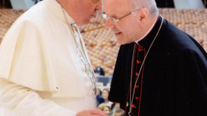 Papa-e-Galantino