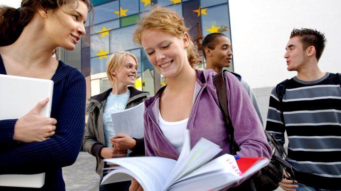 Giovani universitari