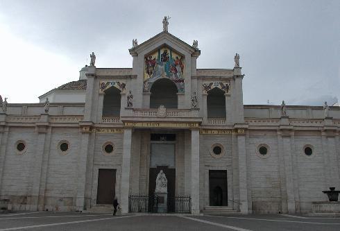 Manfredonia_ Cattedrale